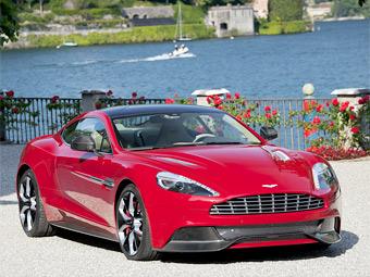 Компания Aston Martin представила прототип нового купе DBS