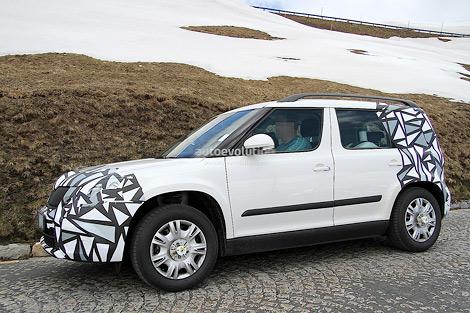 Автомобиль получил более агрессивную и угловатую переднюю решетку и новую хромированную эмблему. Фото 2