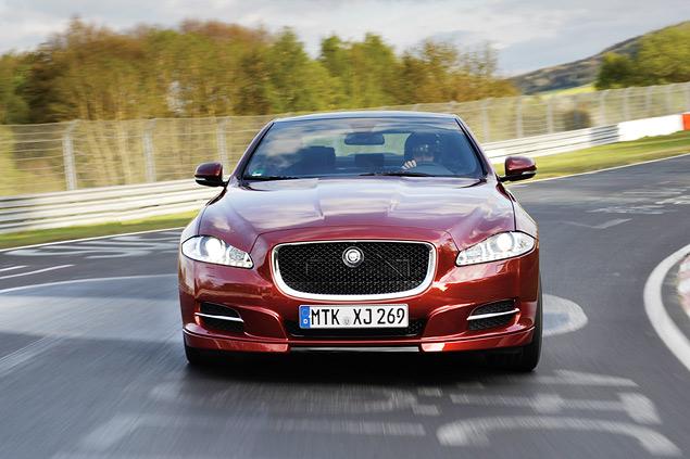 Выгуливаем Jaguar XJ Sport & Speed по Нюрбургрингу. Фото 5