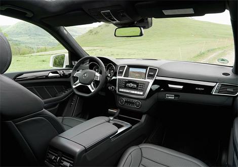 Компания Mercedes-Benz оснастила GL нового поколения битурбированным мотором V8. Фото 1