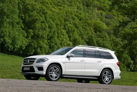 Компания Mercedes-Benz оснастила GL нового поколения битурбированным мотором V8. Фото 2