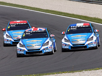 Мюллер и Меню принесли Chevrolet победу на португальском этапе WTCC