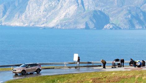 Прототип модели Volvo XC40 сфотографировали во время рекламной съемки