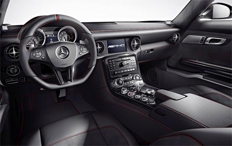 Суперкар Mercedes-Benz SLS AMG получил специальную версию GT с более мощным мотором и жесткой подвеской. Фото 1