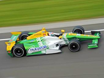 Гонщице Lotus в серии INDYCAR пригрозили дисквалификацией