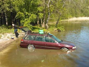 Универсал Subaru завелся после трехмесячного пребывания на дне озера