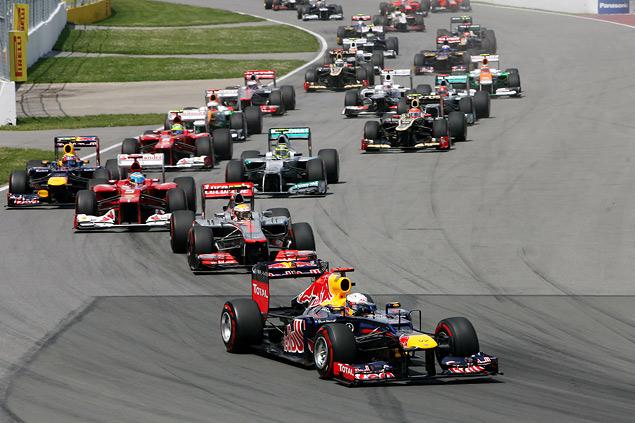 Льюис Хэмилтон стал новым лидером чемпионата Формулы-1. Фото 1