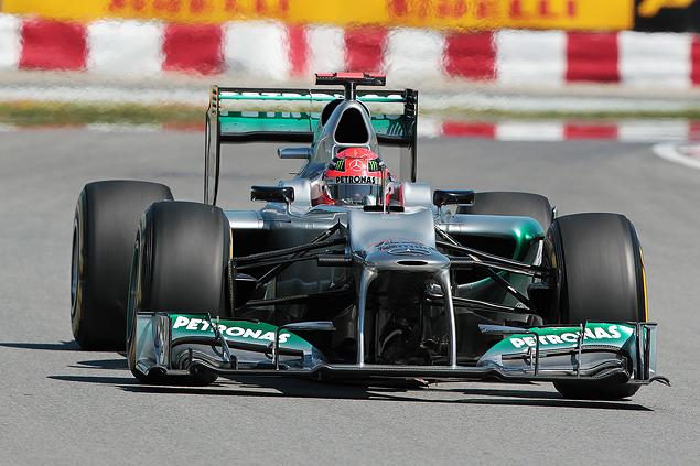 Льюис Хэмилтон стал новым лидером чемпионата Формулы-1. Фото 3