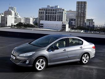Компания Peugeot рассказала о комплектациях и ценах седана 408