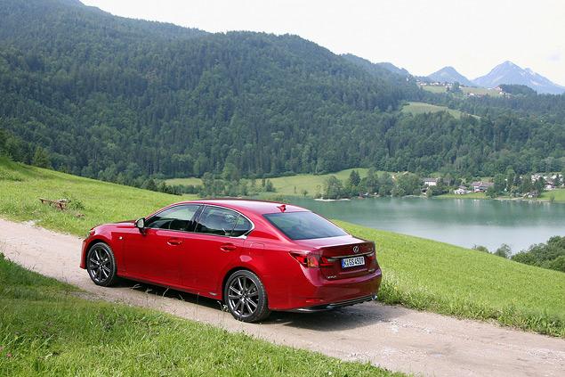 Lexus представил новый GS 450h. Фото 6
