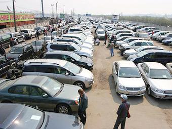 Продажи подержанных машин в России выросли на треть