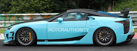 На Нюрбургринге начались испытания новой модификации японского купе. Фото 2