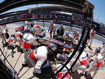 Команда McLaren поставила рекорд Формулы-1 по скорости пит-стопа