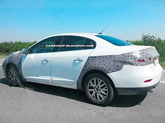 Компания Renault начала испытывать обновленный седан Fluence