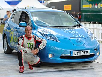 Nissan Leaf установил рекорд по подъему на холм Гудвуд задним ходом