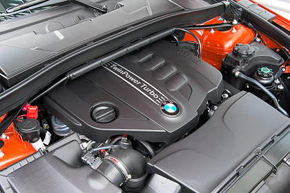 Тест-драйв посвежевшего кроссовера BMW X1. Фото 8