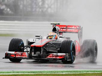 Хэмилтон опередил Кобаяси во второй тренировке Формулы-1