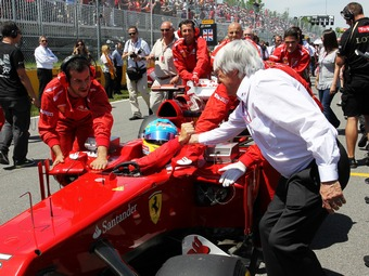 Экклстоун предложил доверить составление регламента Формулы-1 топ-командам