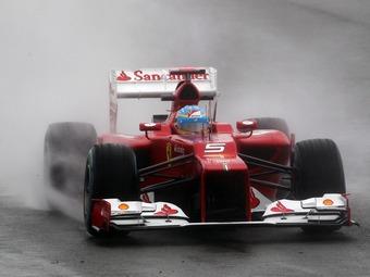 Фернандо Алонсо выиграл дождевую квалификацию Гран-при Великобритании