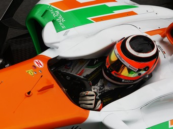 На Гран-при Великобритании двум пилотам заменили коробки передач