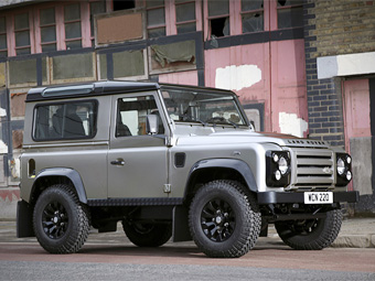 "Land Rover Defender обзавелся ""стильной"" спецверсией"