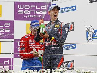 Даниил Квят выиграл две гонки Ф-Renault 2.0 на трассе в Подмосковье