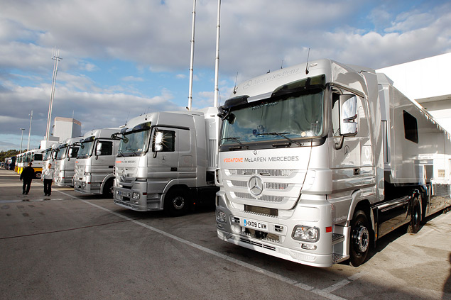 Как команды Формулы-1 перевозят тонны оборудования с трассы на трассу. Фото 3