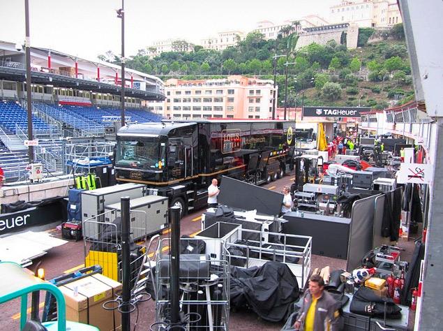 Как команды Формулы-1 перевозят тонны оборудования с трассы на трассу. Фото 4