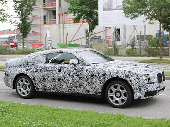 Rolls-Royce превратит седан Ghost в купе