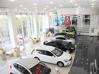 Иномарки отечественного производства заняли почти половину российского рынка