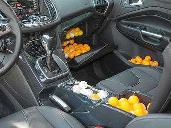 """Ford измерил салон новой """"Куги"""" в шарах для пинг-понга"""
