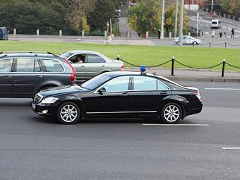 Глава МВД запретил перекрывать дороги для проезда кортежей
