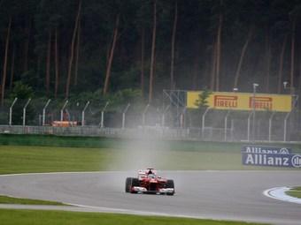 Фернандо Алонсо стал быстрейшим в свободных заездах Формулы-1