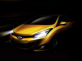 Компания Hyundai показала тизер нового компакт-кара