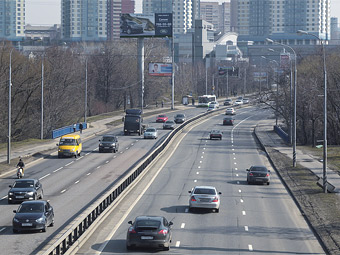 Московские водители назвали условия отказа от личных автомобилей