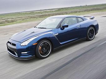 Появление нового Nissan GT-R оказалось под угрозой