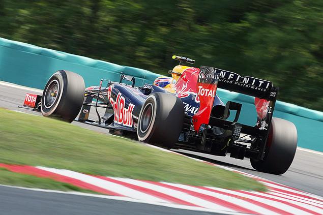 Формула-1 ушла на каникулы победой Льюиса Хэмилтона. Фото 1