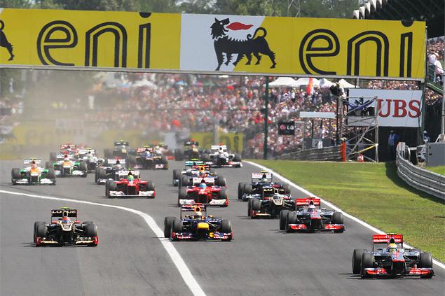 Формула-1 ушла на каникулы победой Льюиса Хэмилтона. Фото 2