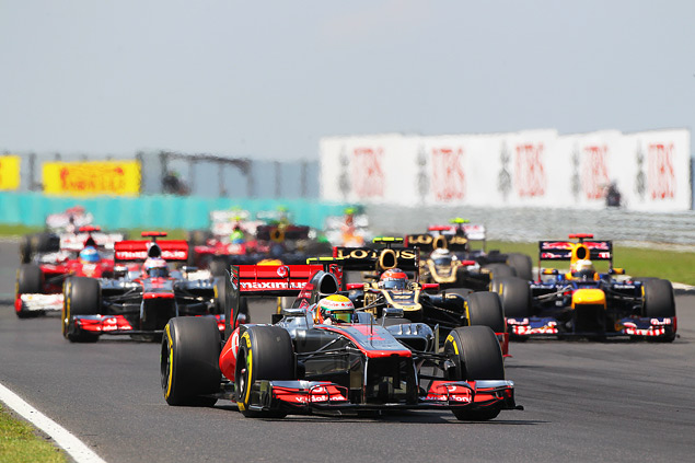 Формула-1 ушла на каникулы победой Льюиса Хэмилтона. Фото 4
