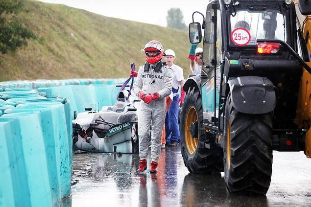 Формула-1 ушла на каникулы победой Льюиса Хэмилтона. Фото 5