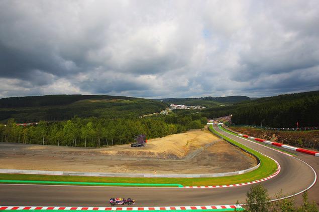 Формула-1 ушла на каникулы победой Льюиса Хэмилтона. Фото 7