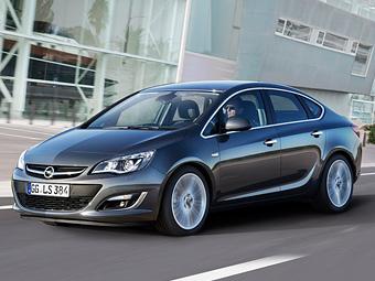 Новый седан Opel Astra привезут в Россию в августе
