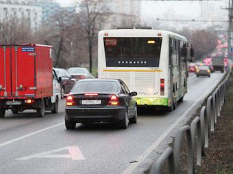Автомобили с пассажирами предложили приравнять к автобусам