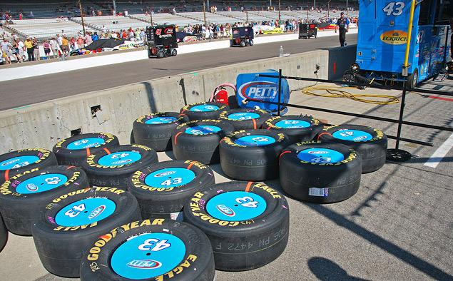 Как проходят самые популярные автогонки в США. Фото 3
