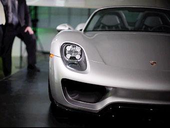 Компания Porsche показала клиентам серийный супергибрид