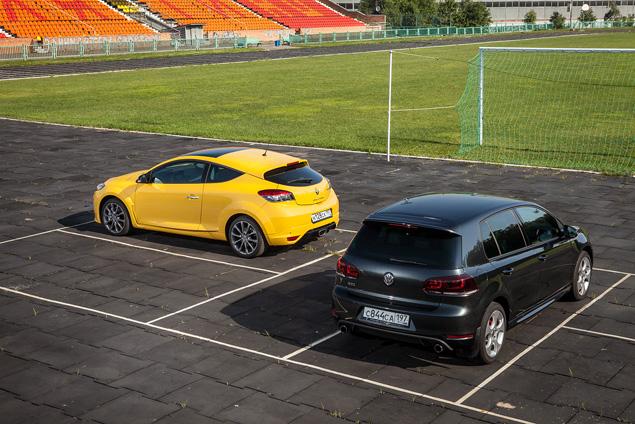 Renault Megane RS против VW Golf GTI 35 Edition. Фото 9