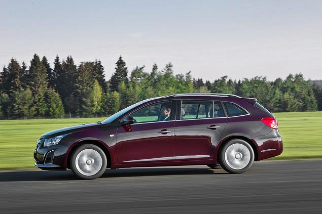 Тест-драйв Chevrolet Cruze в кузове универсал. Фото 4