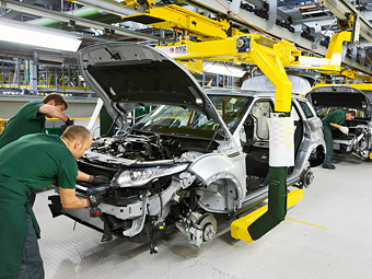 Range Rover Evoque решили собирать в круглосуточном режиме