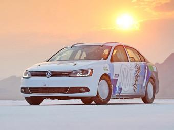 Седан VW Jetta установил рекорд скорости среди гибридов