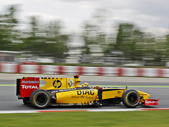 Компании Pirelli разонравился позапрошлогодний болид Ф-1 для тестов